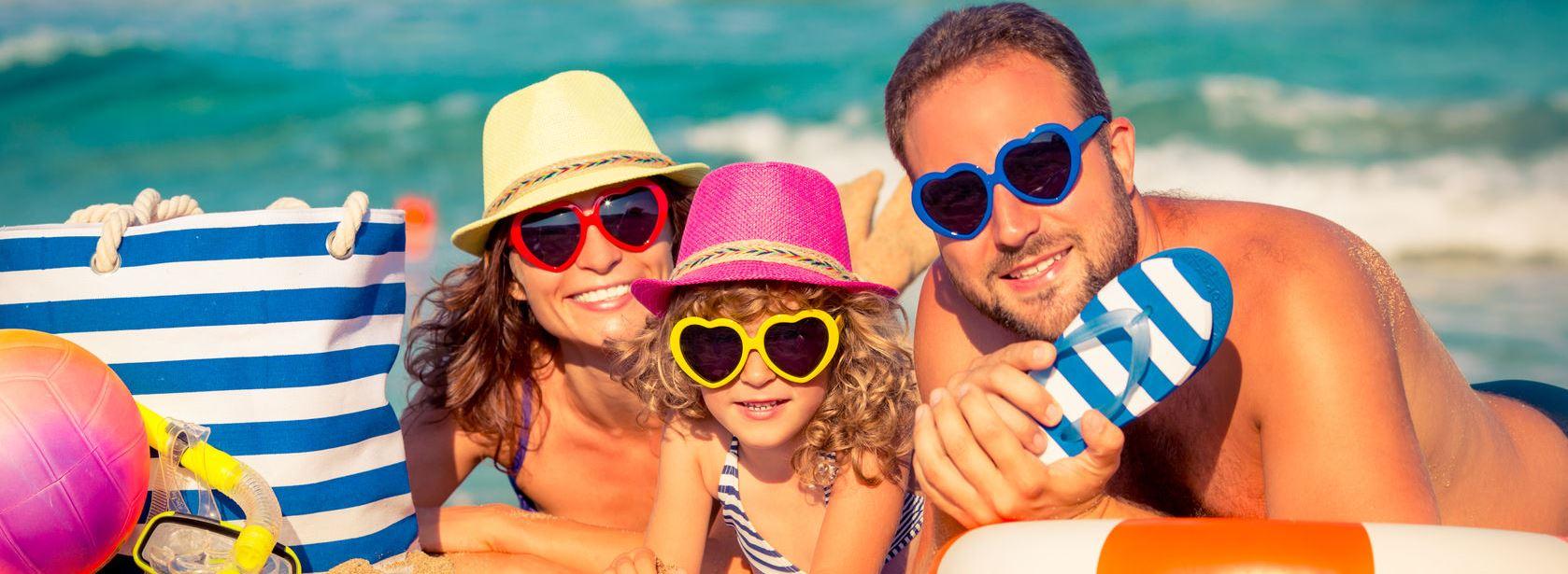Семьёй на пляже 16 фотография